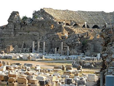 antik-tiyatro-side