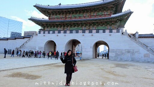 gyeongbokgung palace seoul in winter