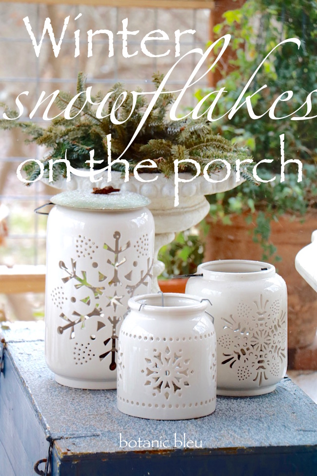 snowflakes-on-the-porch-decor