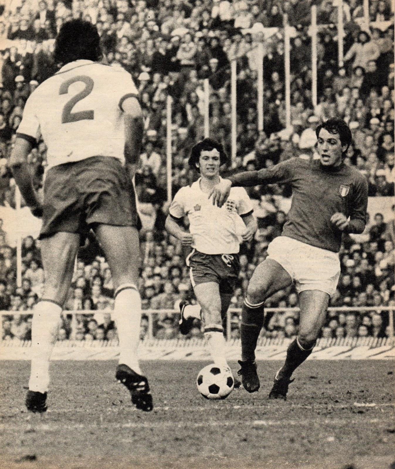 Soccer nostalgia old match photographs part 31g for Miroir paris 18