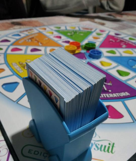 A-Semana-em-flashes-armazem-de-ideias-ilimitada trivial pursuit tabuleiro e cartões