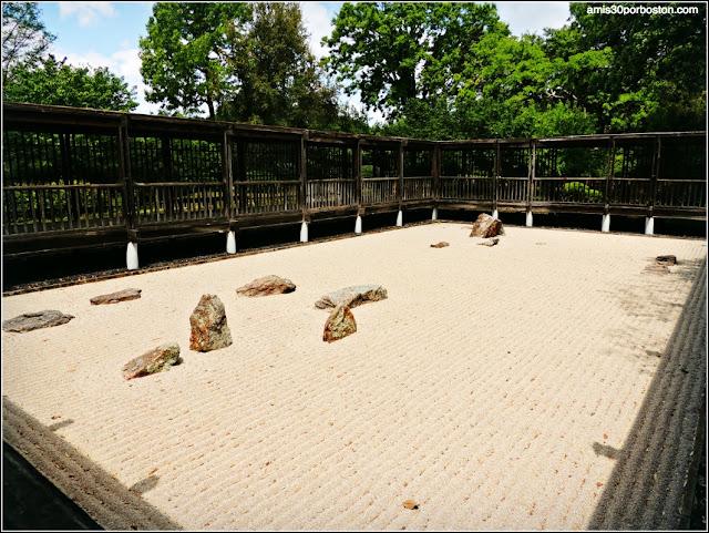 Fort Worth Botanic Gardens: Karesansui (Dry Landscape Garden)