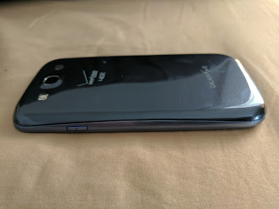 Check your work and make sure the edge seam of the Galaxy S3 back cover looks good.