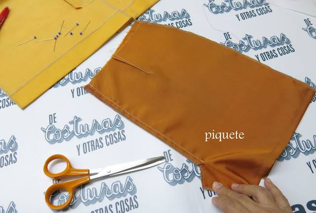 falda forrada con abertura oculta