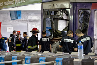 Argentine commuter train slams into station, again