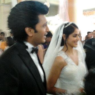 Ritesh & Genelia Church Wedding Images - Wallwoods