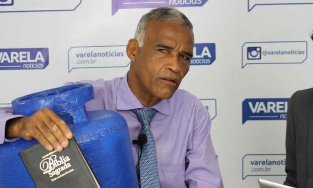 """Deputado baiano propõe criação do """"Dia do Orgulho Hétero"""""""