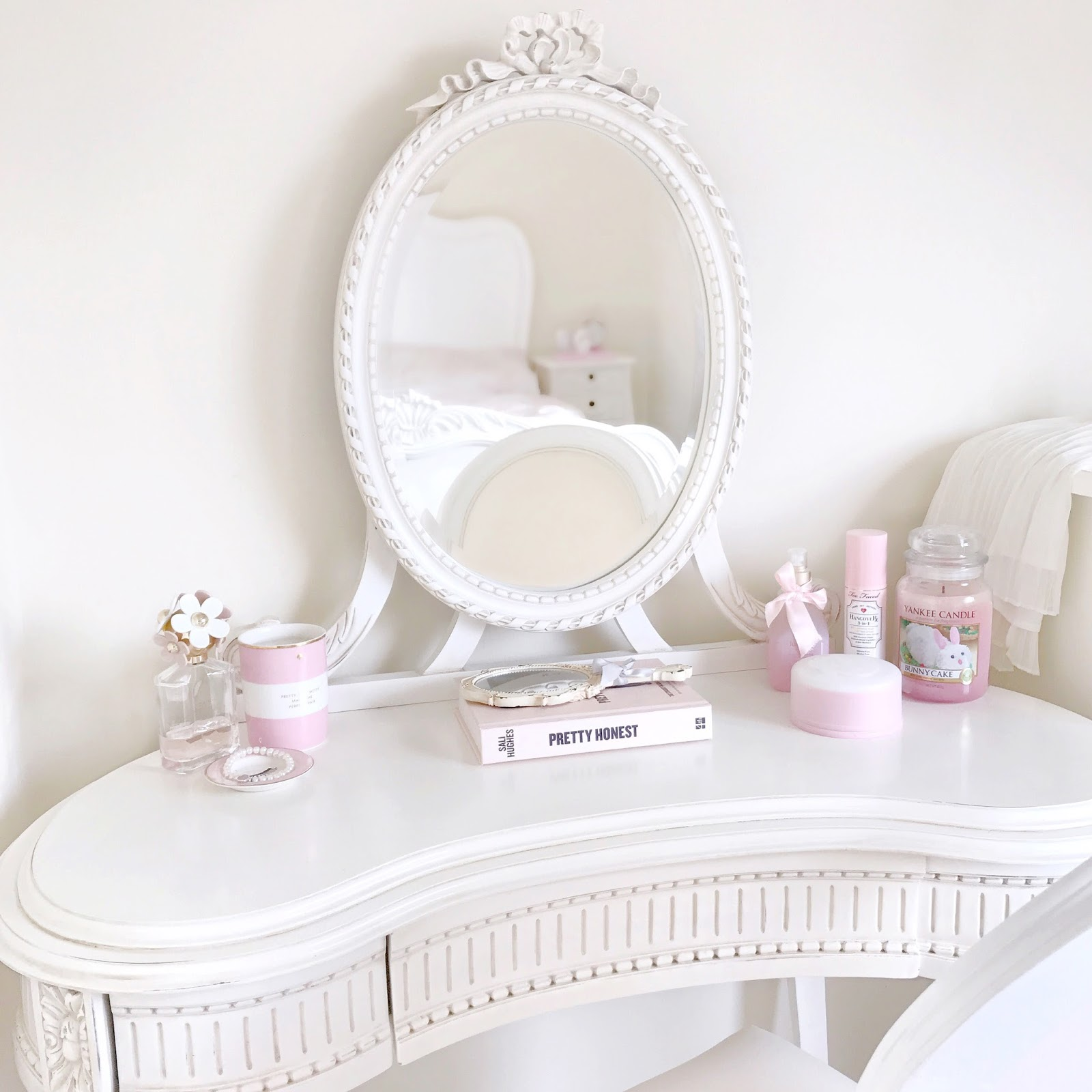 September Photo Diary | Pretty Parisian Style Dressing Table
