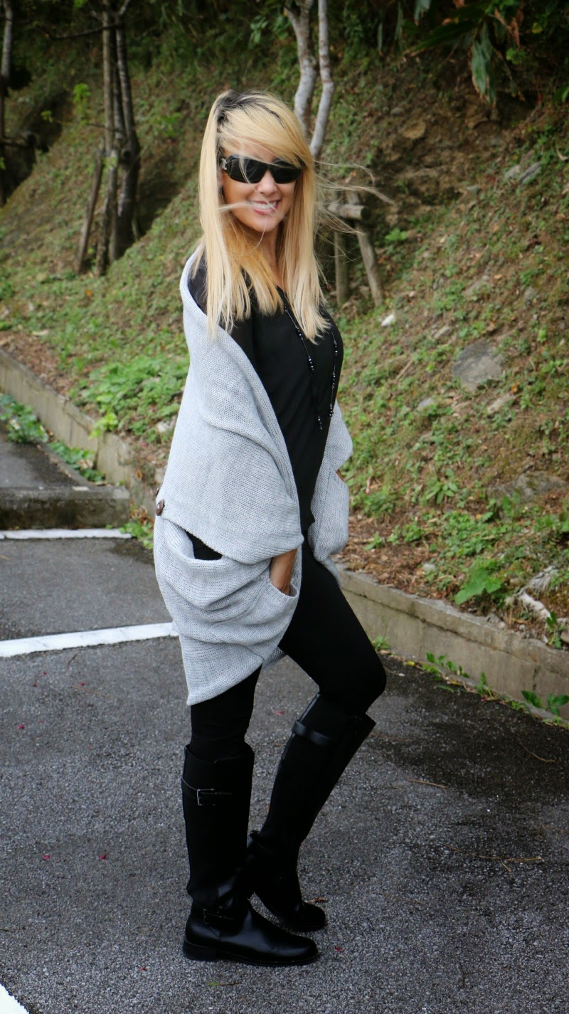 http://sweethaute.blogspot.com/2015/02/cocoon-back-button-sweater-thursday.html