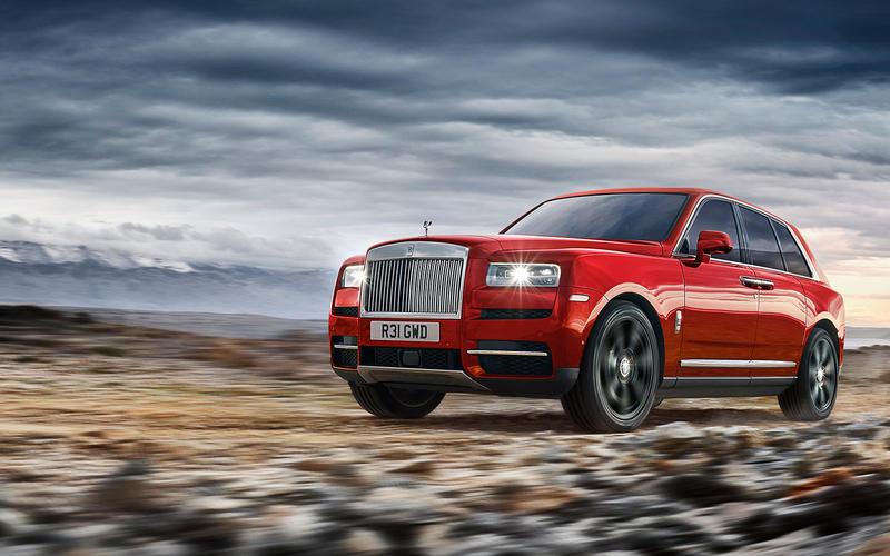 Đánh Giá Chi Tiết Xe Rolls Royce Cullinan Gầm Cao V12 Ra Mắt Tại Anh