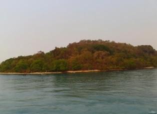 http://www.teluklove.com/2017/04/destinasti-objek-wisata-pulau-hantu.html