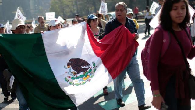 Partidos mexicanos llaman a marchas pacíficas contra el gasolinazo