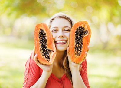 Đu đủ chứa nhiều thành phần dinh dưỡng  giúp dưỡng da hiệu quả.
