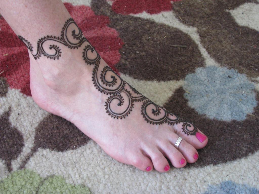 Simple Henna Foot Tattoo Designs: Easy Henna Tattoos