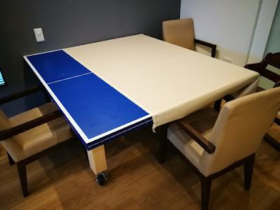 テーブル代わりになる卓球台