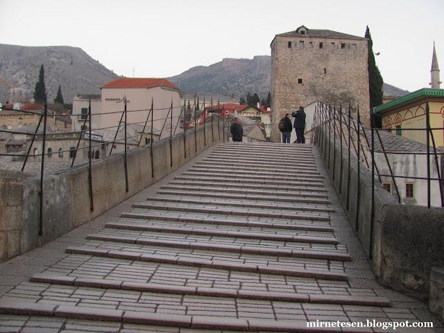 Ступени на Старом Мосту, Мостар
