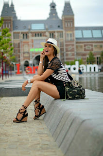 http://tamarachloestyleclues.blogspot.nl/2014/06/stripes-and-camo.html