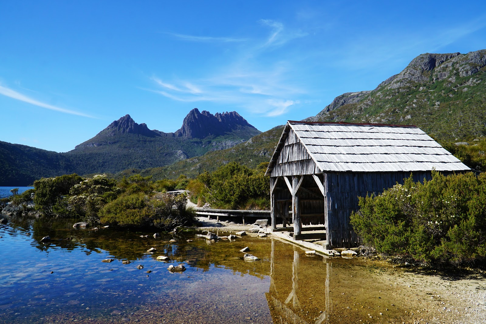 The Long Way's Better: Dove Lake Circuit (Cradle Mountain-Lake St Clair  National Park)