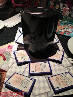 Tarjetas sombrero entrada restaurante Alicia Ginza Tokyo