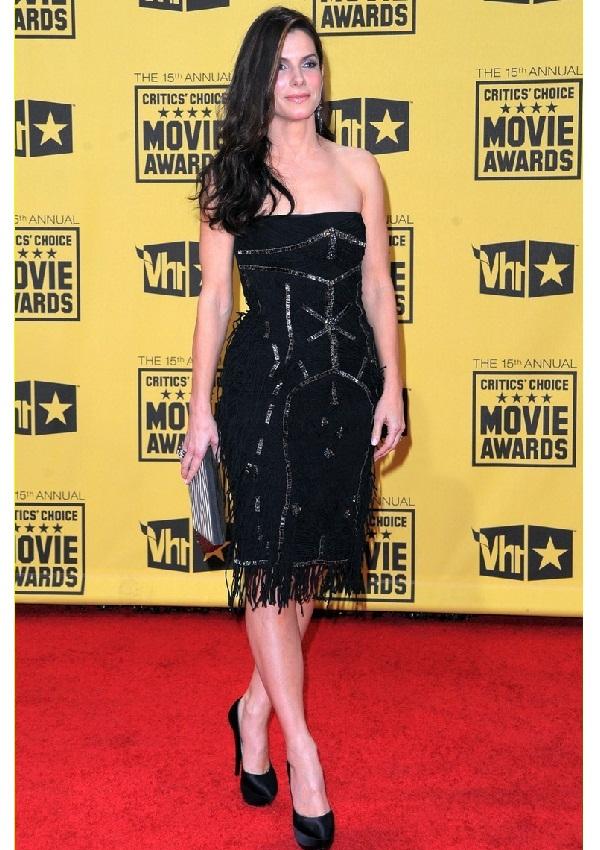 Sandra Bullock & Betty White 'Get Low' at Teen Choice Awards.