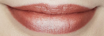 Avon True Luminous Velvet Lipstick swatch in Luminous Nude