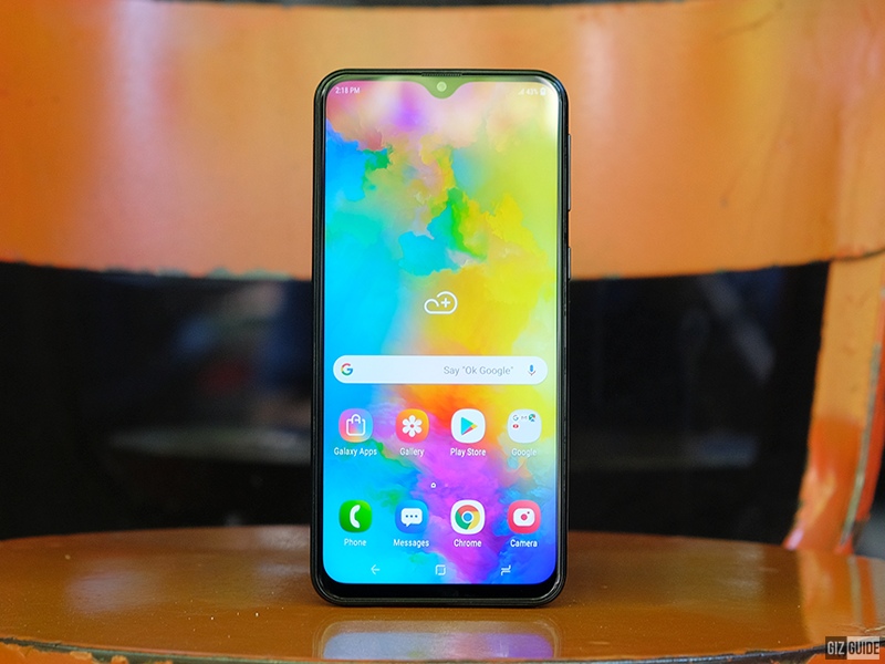 6.3-inch Infinity V display of Galaxy M20