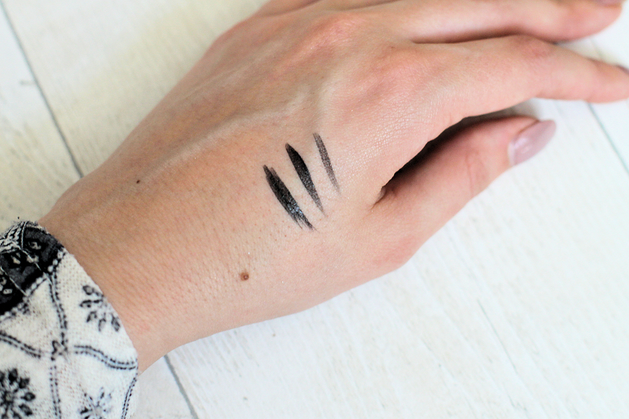 PHB Ethical Beauty 100% Pure Liquid Eyeliner Swatch