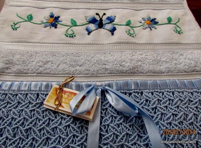 Toalha de Lavabo Bordada, Barrado em Macrame, Bordado Kamal Kadai, Kamal Kadai, Barrado em Macramê, Macramê