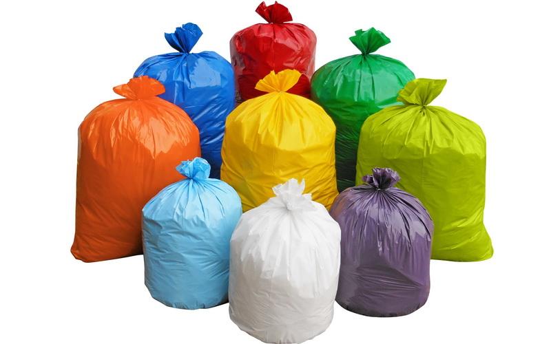 Η Βουλή «αγρόν ηγόρασε» και οξοδιασπώμενες σακούλες
