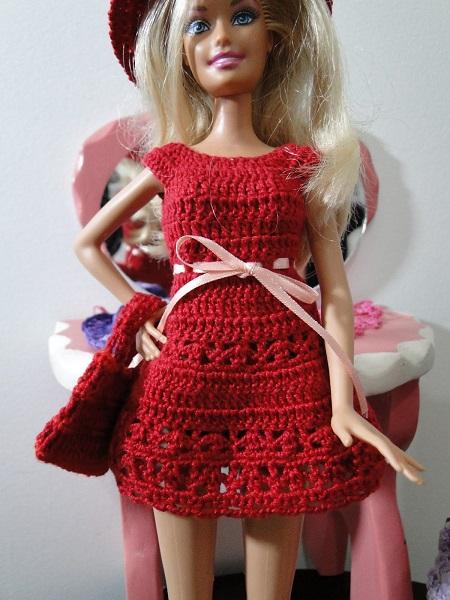 vestido, chapeu e bolsa de crochê para Barbie Pecunia MM