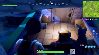 Fortnite Battle Royale, Golden Chests, Tomato Town, Pizza Restaurant Inside