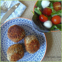 How to make arancini balls / risotto balls with a kiev filling and quinoa crust