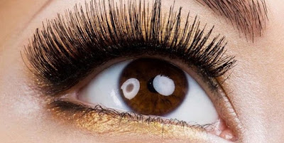 Natural Ingredients to lengthen eyelashes