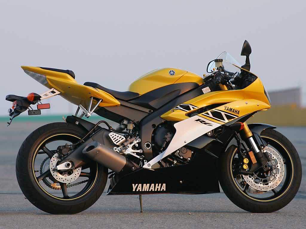 Blue Heavy Bike Hd Wallpaper: Latest Honda Suzuki Yamaha And Kawasaki Heavy Bikes HD