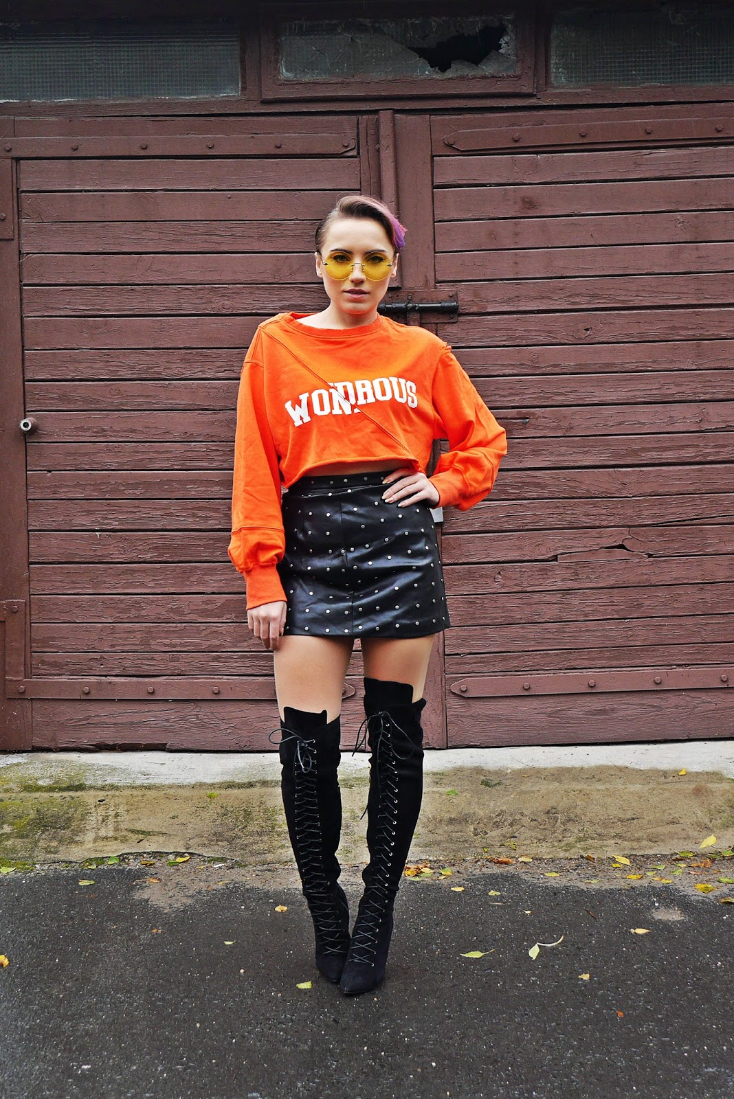 4_leather_skirt_crop_top_orange_hoodies_letter_karyn_blog_modowy_111017b