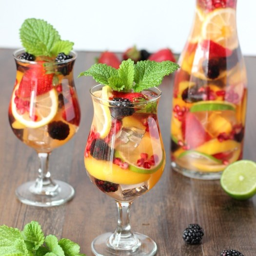 Summertime White Sangria #drink #summerdrink