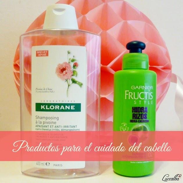 Champú a la peonía de Klorane y crema definidora de rizos Fructis Style de Garnier.