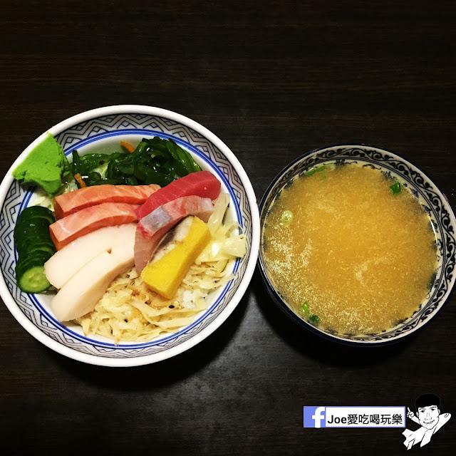 IMG 6257 - 【台中美食】 鱻屋 位於台中精誠路上的平價鮮魚蓋飯   絕對新鮮   海鮮丼飯  平價丼飯   精明商圈  