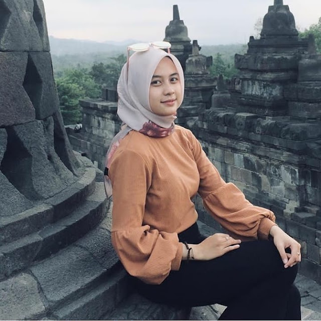 Cute hijaber from Central Java