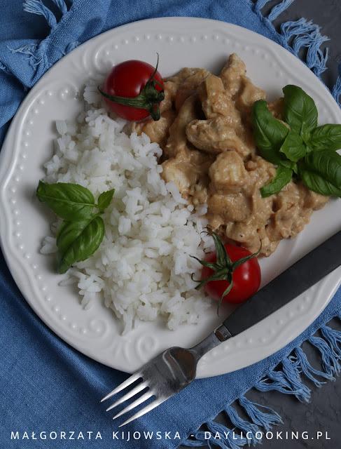 szybkie danie obiadowe, co na obiad z kurczaka, kurczak z masłem orzechowym, daylicooking