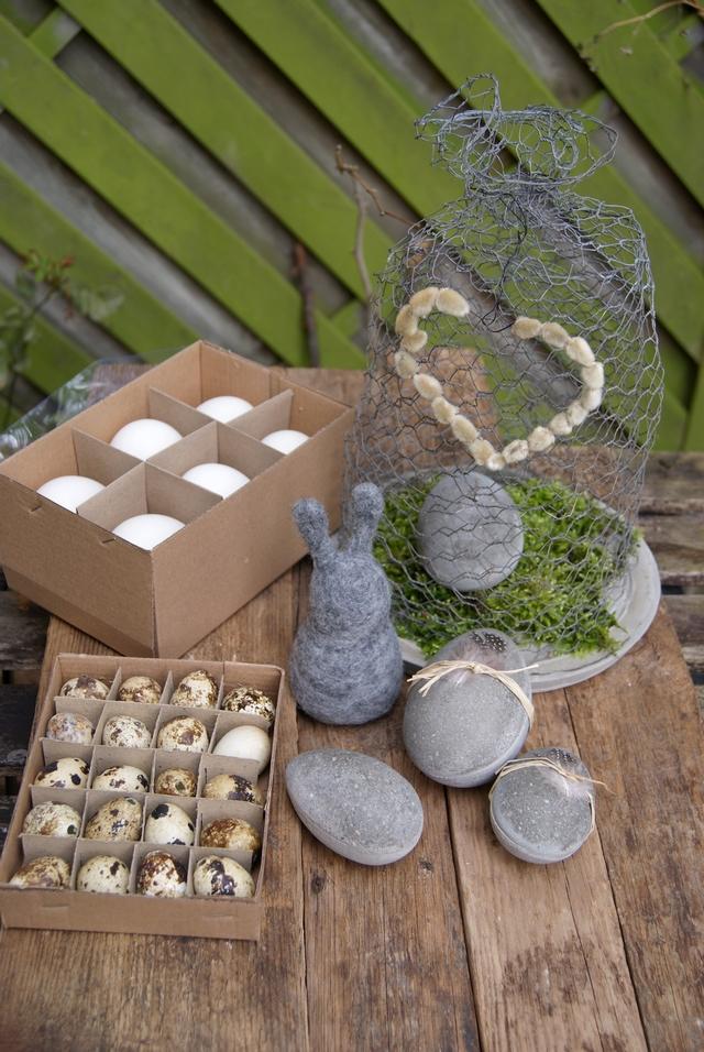 Ostereier aus Beton, Gänseeier und Wachteleier