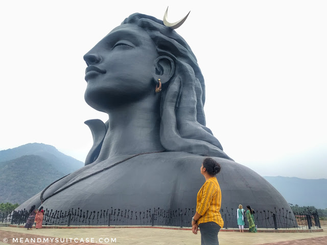 world's largest bust sculpture