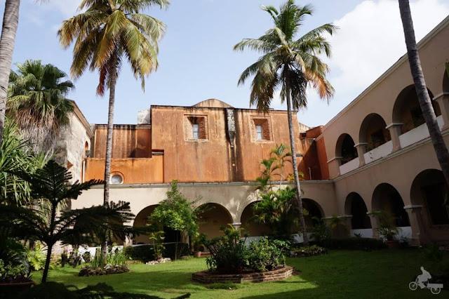 EL CLAUSTRO del  Convento de los Dominicos de Santo Domingo