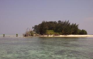 http://www.teluklove.com/2017/04/destinasti-objek-wisata-pulau-tikus-di.html