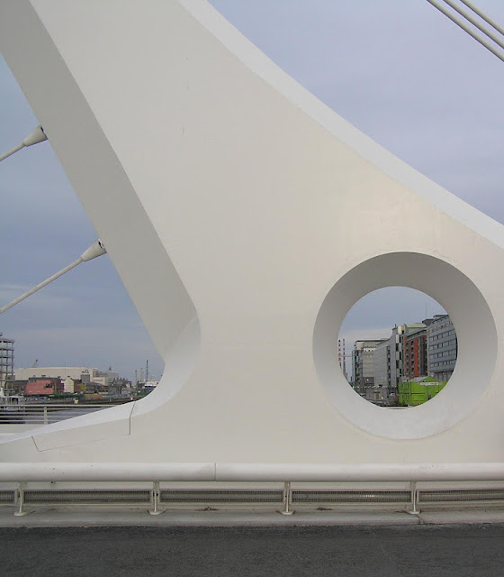 Samuel Beckett Bridge  / Author: E.V.Pita / http://evpita.blogspot.com