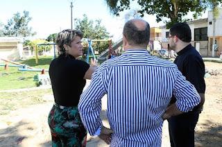 http://vnoticia.com.br/noticia/2841-prefeita-visita-praca-central-e-determina-inicio-de-melhorias