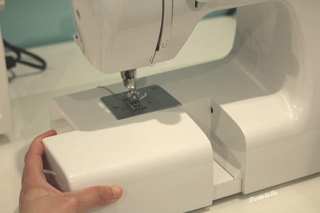 Máquina de coser, partes y funciones principales - Mesa de coser convertible/caja de accesorios