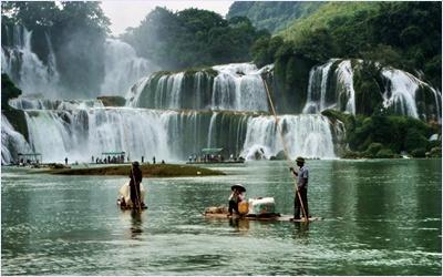 ล่องแพน้ำตกเต๋อเทียน  (Detian Waterfall)