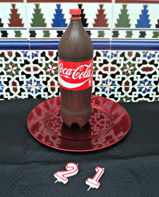 tarta-botella-coca-cola-calle