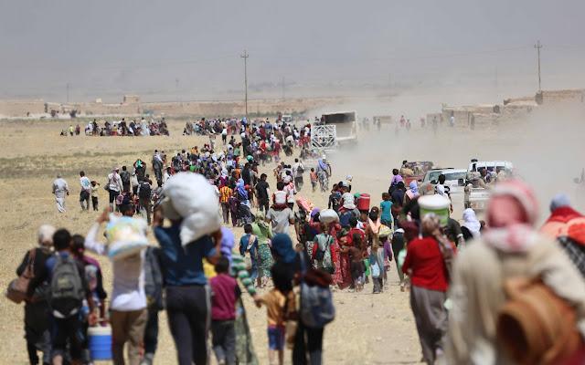 Enquanto as tropas iraquianas avançam sobre os arredores de Mosul, a população civil começou a fugir desesperada